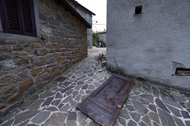 post-terremoto-cane-tito-forca-di-montegallo-9