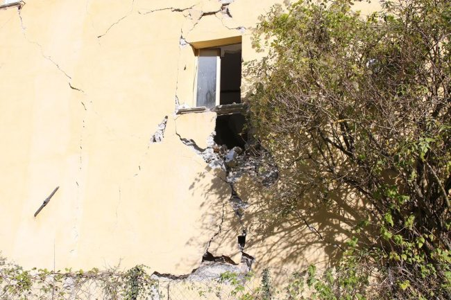 terremoto-ussita-crolli-sasso_foto-lb-4