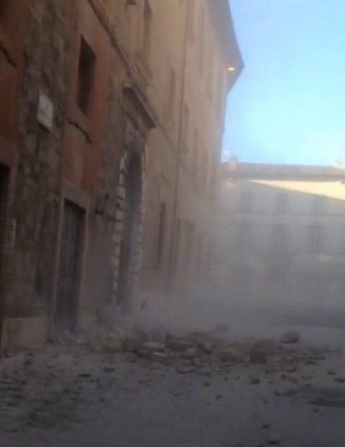 terremoto-camerino-scossa-crolli
