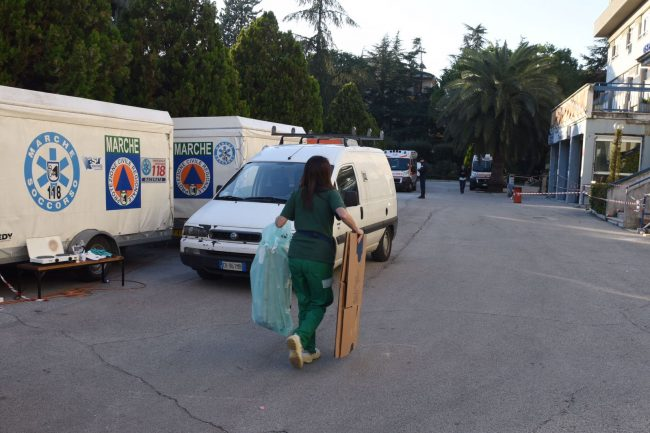 terremoto-tolentino-ospedale-4-federico-de-marco