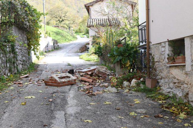 terremoto-ussita-crolli-capovallazza_foto-lb-3