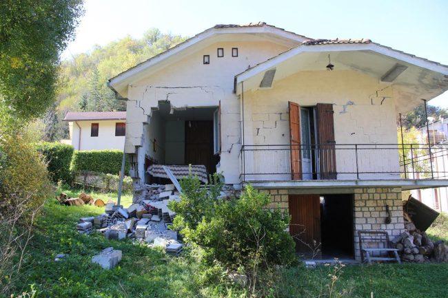 terremoto-ussita-crolli-fluminata_foto-lb-17