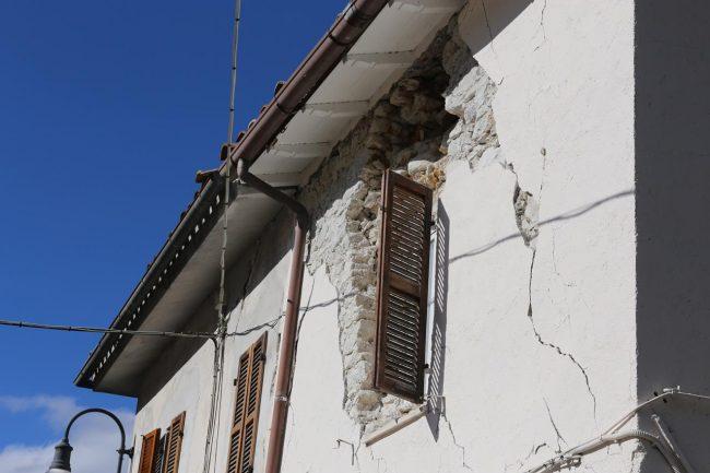 terremoto-ussita-crolli-fluminata_foto-lb-22