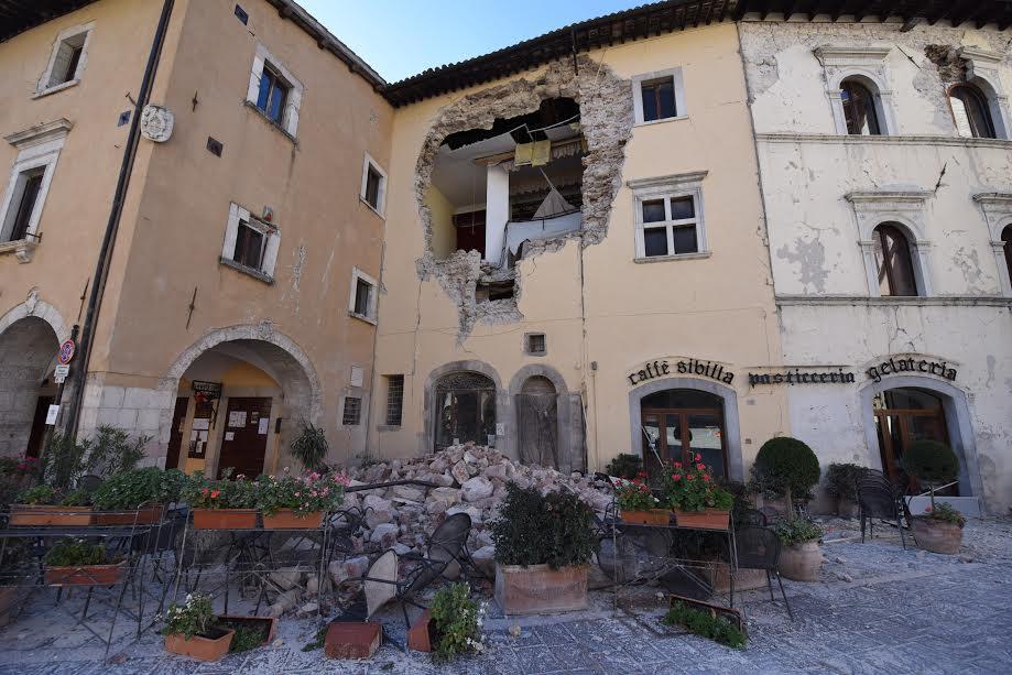 Sisma,sindaco Ussita: è crollato tutto