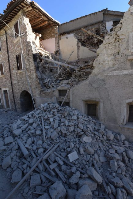 villa_santanatonio_terremoto_30_ottobre_foto_de_marco-2