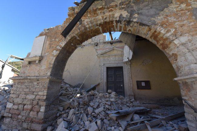 villa_santanatonio_terremoto_30_ottobre_foto_de_marco-4