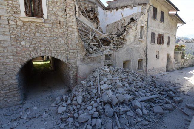 villa_santanatonio_terremoto_30_ottobre_foto_de_marco-6