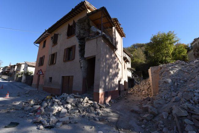 villa_santanatonio_terremoto_30_ottobre_foto_de_marco-7