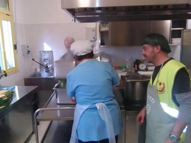 La mensa per gli sfollati a Gagliole