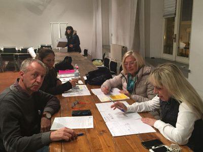 Il sindaco di San Severino, Rosa Piermattei, e gli assessori Paolo Paoloni, Sara Bianchi e Vanna Bianconi al lavoro nella sede provvisoria del Comune in viale Biagioli