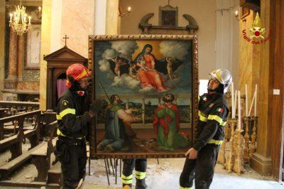 collegiata-san-martino-caldarola-recupero-opere-vigili-del-fuoco-7-400x266