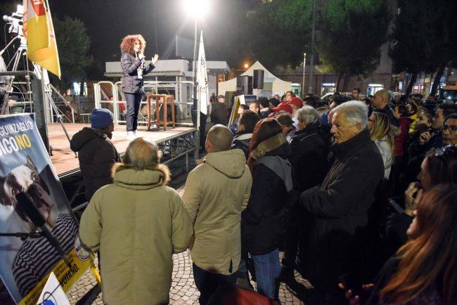 m5s-iovotono-referendum-fico-piazza-civitanova-fdm-5