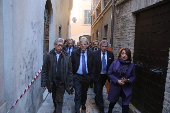 ministro_gentiloni_tolentino_terremoto_foto_benfatto-10
