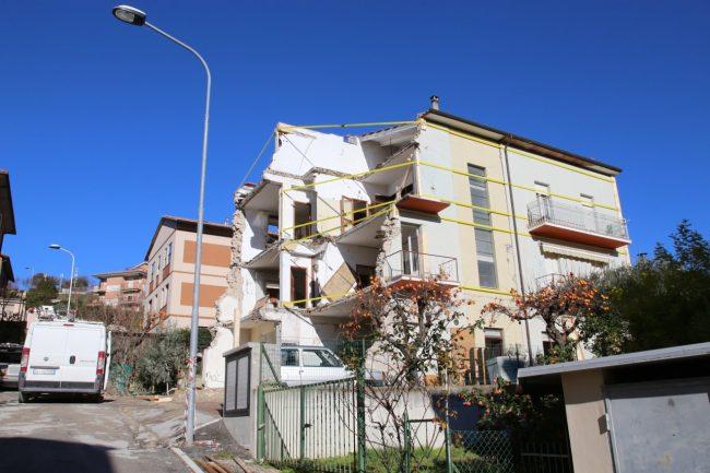 ministro_gentiloni_tolentino_terremoto_foto_benfatto-3