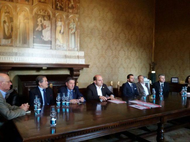 La firma del protocollo d'intesa tra Osimo e i comuni dei Sibillini