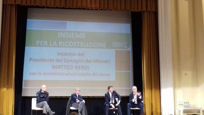 Da sinistra Fabrizio Curcio, Vasco Errani, Matteo Renzi e Luca Ceriscioli