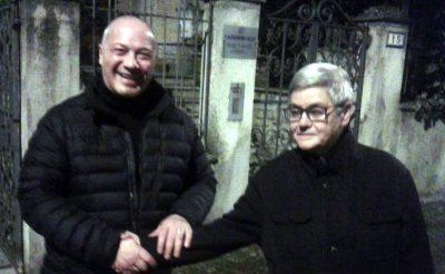 La stretta di mano fra Filippo Spalletta e Maria Francesca Tardella