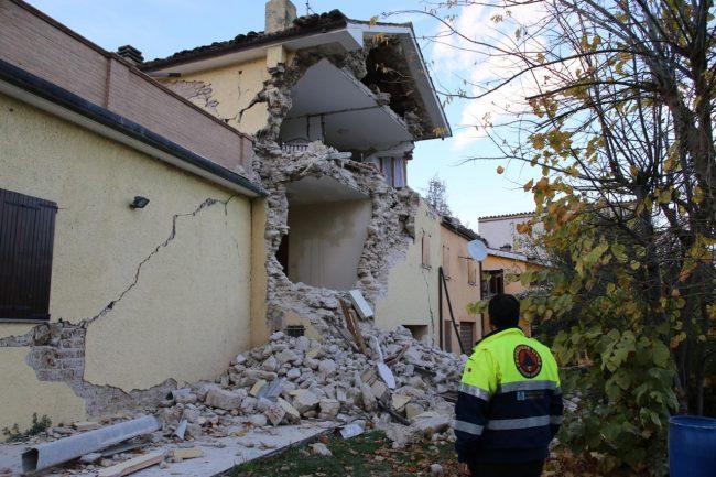 terremoto-Sarnano_Foto-LB-28-650x433