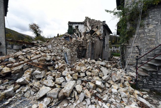 terremoto-zona-rossa-castelsantangelo-sul-nera-9-650x434
