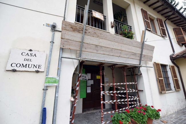 terremoto-zona-rossa-comune-castelsantangelo-sul-nera-11