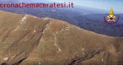 Il Monte Vettore ripreso dall'elicottero dei Vigili del fuoco