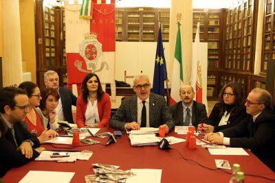 conferenza-fine-anno-carancini_Foto-LB-1-400x267