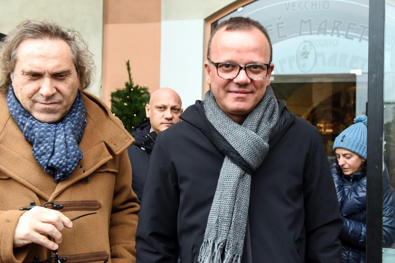 Capodanno 2017 Canale 5: Gigi D'Alessio chiama due cantanti di Amici