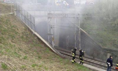 I vigili del fuoco durante l'intervento
