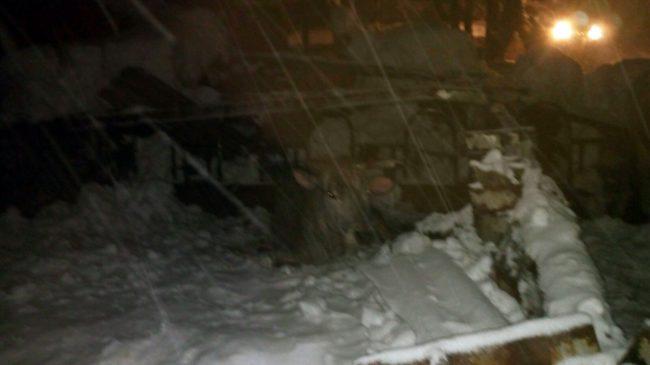 Gualdo-stalla-azienda-beccerica_-animali-terremotati-neve-11-650x365