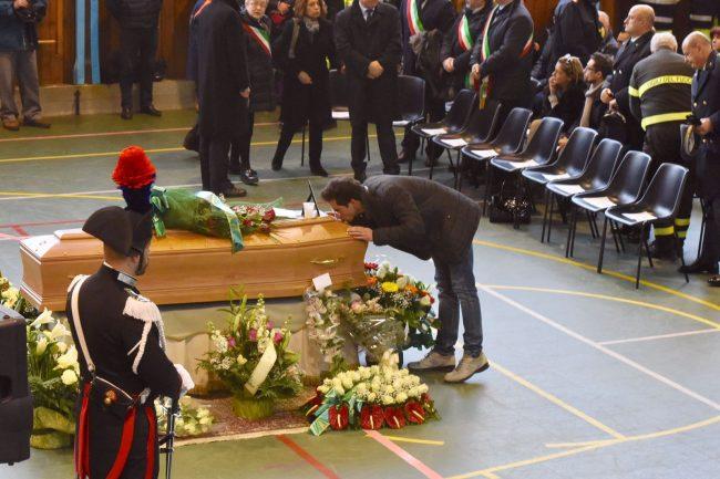 funerale-rigopiano-7-650x433