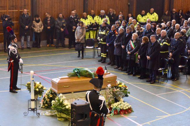 funerale-rigopiano-8-650x433