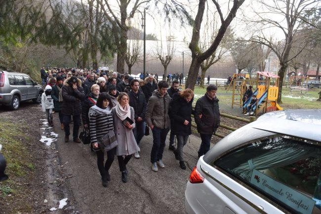 funerale-rigopiano-bonifazi-11-650x434