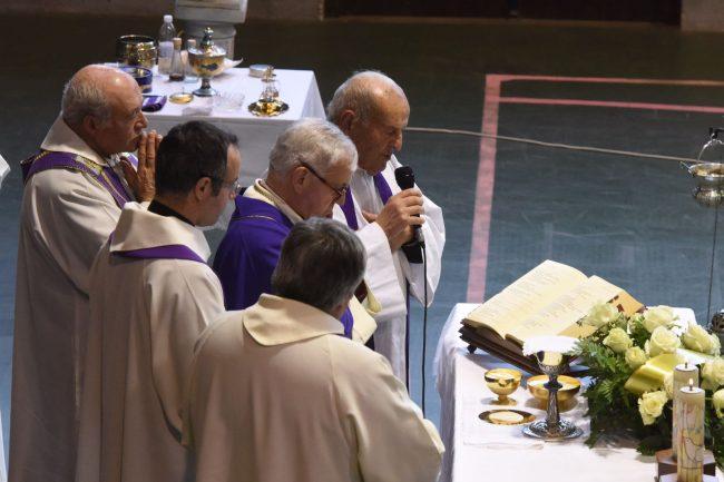 funerale-rigopiano-bonifazi-12-650x433