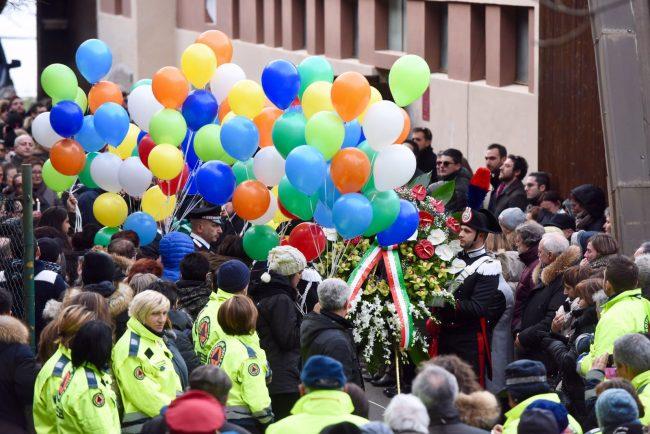funerale-rigopiano-bonifazi-3-650x434
