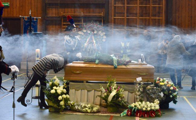 funerale-rigopiano-bonifazi-5-650x397