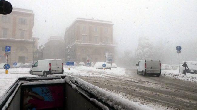 neve-macerata-gennaio-2017_Foto-LB-32-650x365