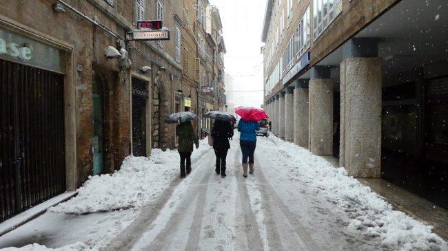 neve-macerata-gennaio-2017_Foto-LB-36-650x365