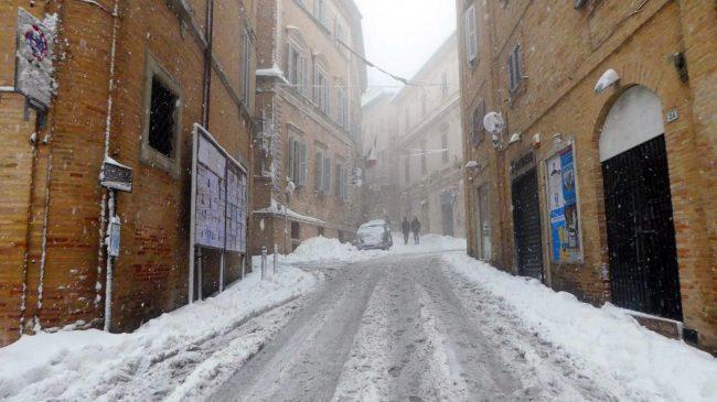 neve-macerata-gennaio-2017_Foto-LB-37-650x365