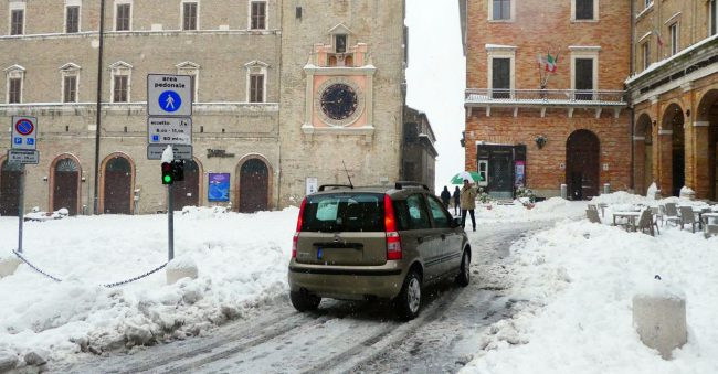 neve-macerata-gennaio-2017_Foto-LB-45-650x339