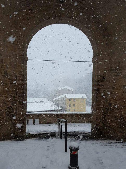 porta-adriana-neve-tolentino