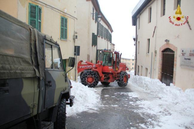 rimozione-neve-camerino-1-650x433