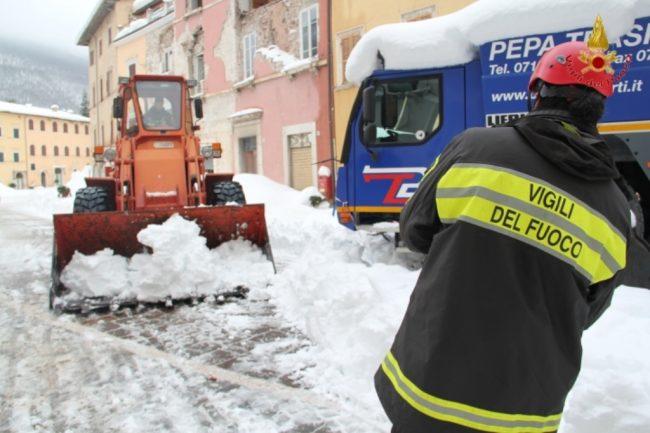 rimozione-neve-visso-12-650x433