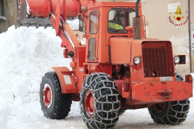 rimozione-neve-visso-4-650x433