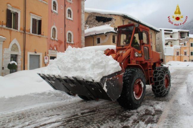 rimozione-neve-visso-5-650x433