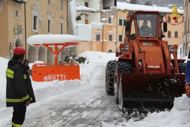 rimozione-neve-visso-9-650x433