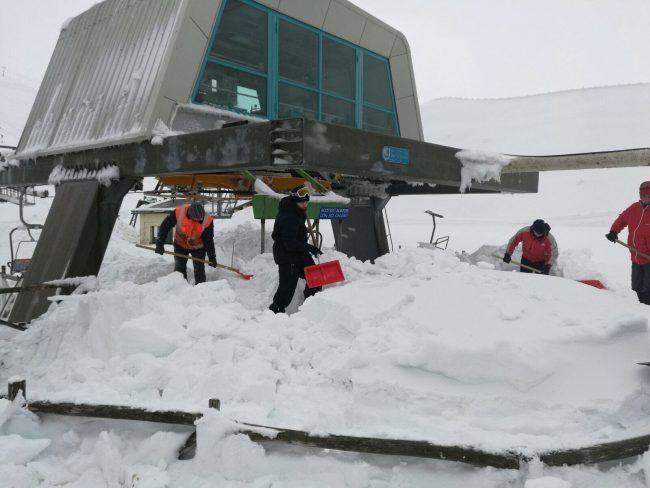 sassotetto-lavori-neve-1-650x488