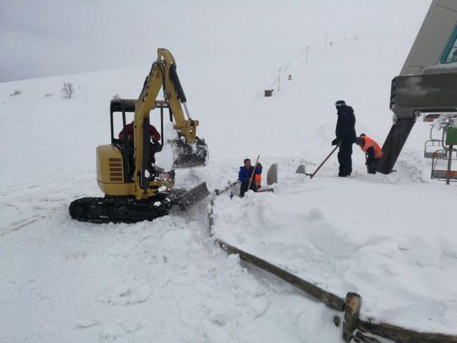 sassotetto-lavori-neve-2-650x488