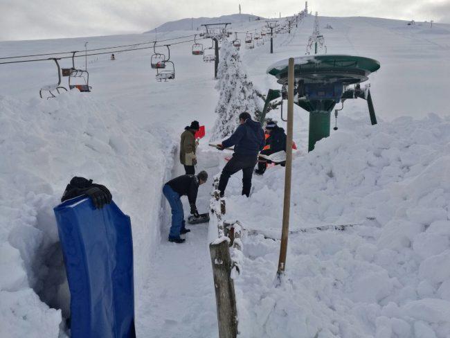 sassotetto-lavori-neve