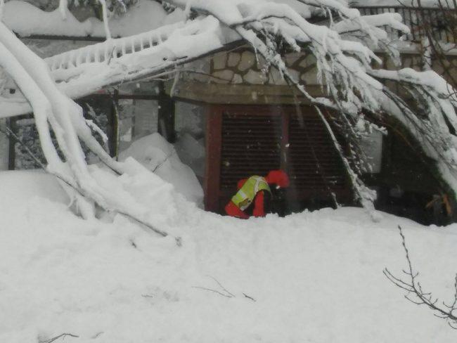 soccorso-alpino-hotel-rigopiano-4-650x488