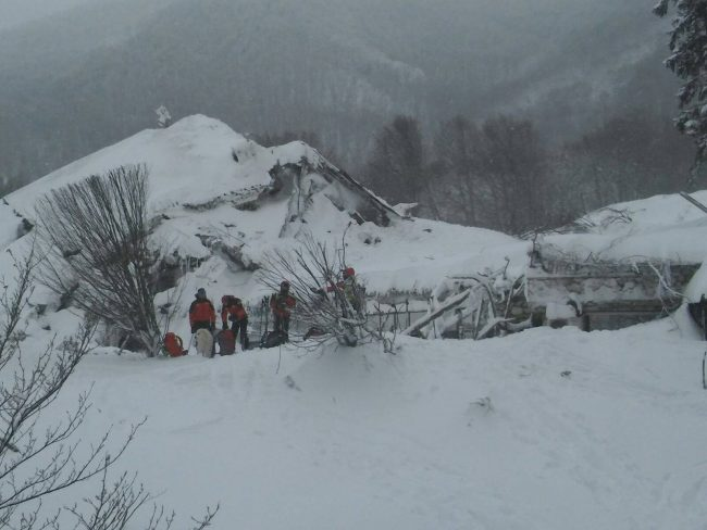soccorso-alpino-hotel-rigopiano-5-650x488